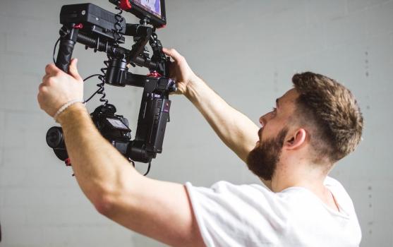 Wie kann Ihr Unternehmen von Videoübersetzung profitieren?