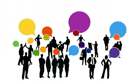 Leute, die in verschiedenen Sprachen sprechen