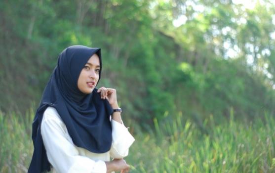 hijab-2352893-001_3-12-19_03-43-52.jpg