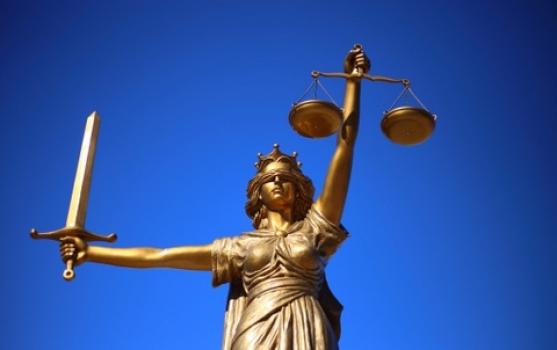 justice-2060093_15-3-19_17-28-08.jpg