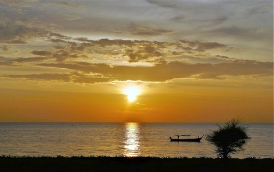 sunset-3157824_9-1-19_08-36-18.jpg